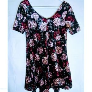 Juniors Crushed Velvet Floral Skaters Dress XL
